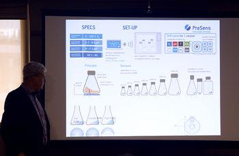 Prof Herwig showing presentation slide on SFR vario