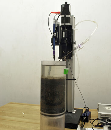 Experimental set-up for microprofiling in sediment core
