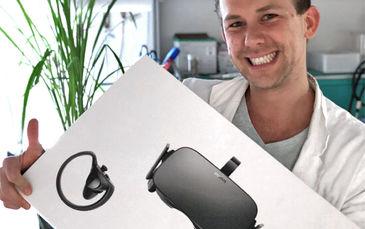 Markus Maisch with the 1st pize oculus rift