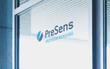 Window with PreSens logo