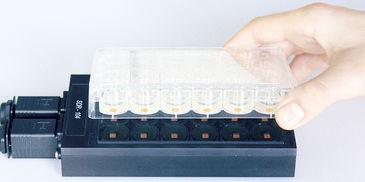 SDR SensorDish Reader with OxoDish for non-invasive O2 monitoring